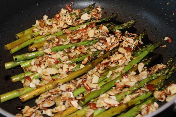 Balsamic Almond-Garlic Asparagus